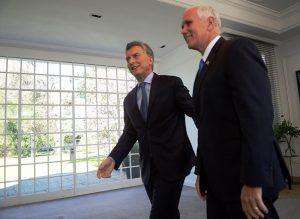 """El vicepresidente de EE.UU. felicitó a Macri por """"restaurar la reputación Argentina en el mundo"""""""