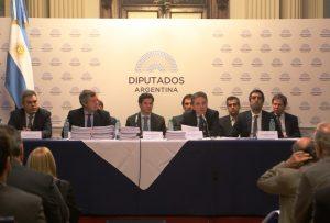 Dujovne se presentó en Diputados con el Presupuesto 2018