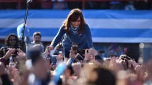 """CFK pidió el voto opositor para """"iniciar un nuevo ciclo político"""" y frenar el """"gran ajuste"""""""