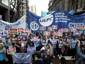 """Finocchiaro criticó a los docentes que """"adoctrinan"""" a los alumnos con el caso Maldonado"""
