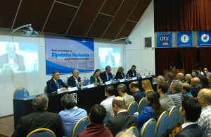 El vecinalismo de García Elorrio cuestionó a los partidos mayoritarios por no debatir