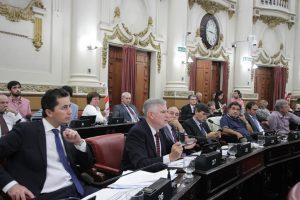 """Al rebatir las críticas de Cambiemos, Gutiérrez habló de """"la mentira"""" como elemento comunicacional del Gobierno macrista"""