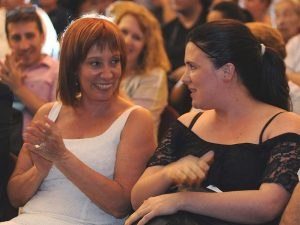 Dos exfuncionarias K, complicadas por denuncias de coimas en el INCAA