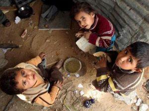 Casi la mitad de los hogares con niños en Argentina son pobres