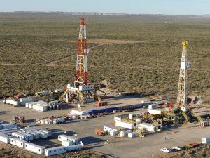 Rubrican para Santa Cruz un acuerdo sobre hidrocarburos no convencionales similar al de Vaca Muerta