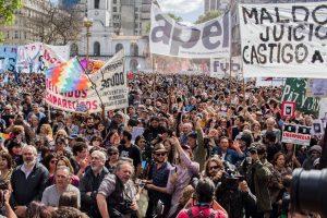 En masiva manifestación por Santiago, organismos de DDHH  reclamaron justicia y acusaron al Gobierno de ser responsable