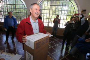 Tras votar, Schiaretti insistió en un mayor federalismo en el país y se refirió al caso Maldonado