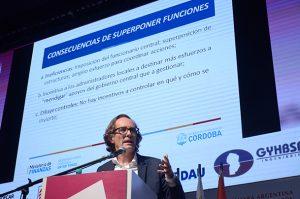 """Giordano criticó la """"hipercentralización de recursos"""" en que incurrieron los gobiernos nacionales"""