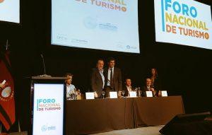"""""""Hoy es el gran momento de invertir en la Argentina"""", dijo Urtubey en el Foro Nacional de Turismo"""