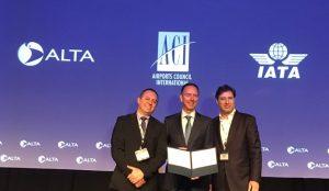 Rubrican acuerdo para mejorar la seguridad en el transporte aéreo en la región
