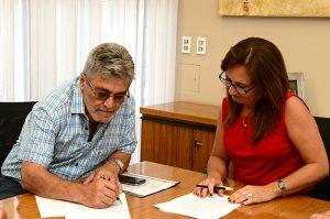 El SEP firmó acuerdo salarial para 2018 y pase a planta de más de 4 mil contratados