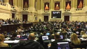 "Carrió habló de intento de ""golpe de Estado"" y Donda le apuntó a Macri"
