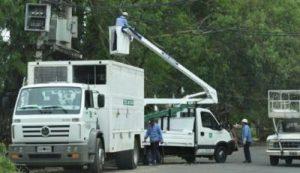 Tras el temporal, relevan localidades afectadas e intensifican trabajos para recuperar el servicio eléctrico