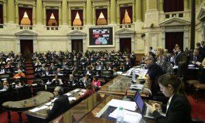 Con la mira puesta en las reformas, Diputados recibe a Dujovne