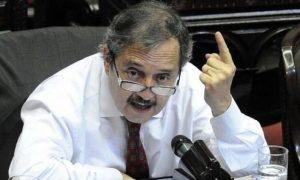 Alfonsín despegó a la UCR de las decisiones del Gobierno