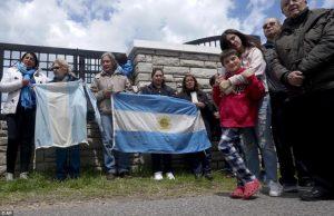Marcha de familiares para reclamar que sigan buscando a los tripulantes del ARA San Juan