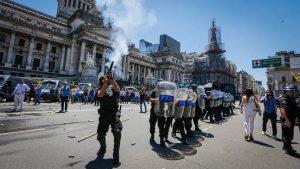 FOPEA repudió la agresión a periodistas durante los incidentes y la represión de ayer en el Congreso
