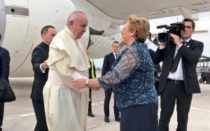 Francisco expresó «dolor y vergüenza» por abusos sexuales de ministros de la Iglesia