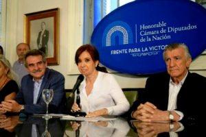 CFK y Rossi criticaron los anuncios de Macri sobre el recorte de la planta política del Ejecutivo