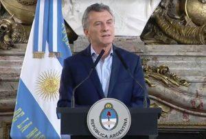Macri anunció una reducción del 25% de cargos políticos y la exclusión de familiares en el Ejecutivo
