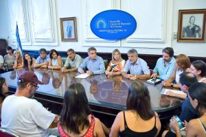 Diputados kirchneristas se reunieron con trabajadores despedidos del Inti
