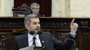 """""""Si piensa que una marcha condiciona la acción de la Justicia, es un error"""", le dijo Peña a Moyano"""
