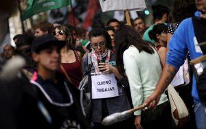 Según la OCDE el desempleo en el mundo bajó al 5,5% en diciembre último