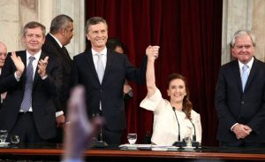 En medio de la discusión por el aborto, Macri se reúne con sus legisladores