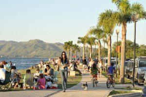 Feriado de Carnaval: viajaron casi 2,2 millones de turistas y las ventas crecieron 1,5%
