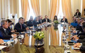 Macri respaldó las críticas del ministro Cabrera y sumó un capítulo más a la polémica con los industriales