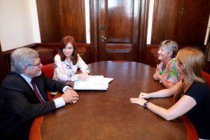 CFK quiere prohibir que funcionarios tengan depósitos en paraísos fiscales