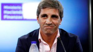 El Gobierno defendió a Luis Caputo a horas de que el ministro enfrente a los diputados