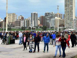 Fin de semana XL: viajaron 2,4 millones de turistas y las ventas crecieron 3,6 por ciento