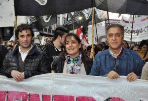 """Día del Trabajador:  Pitrola a favor de """"poner de pie la bronca popular"""" contra los tarifazos, la inflación y los despidos"""