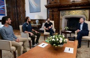Macri con emprendedores que crearon una aplicación de realidad virtual para dejar de fumar