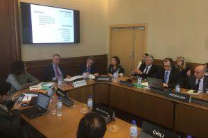 En París, Schiaretti presentó su plan de gobierno ante representantes de la OCDE