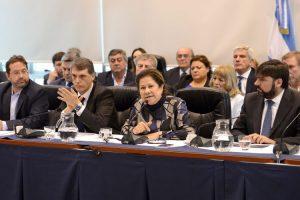 La oposición rechazó el pago en cuotas y redobla la ofensiva por los tarifazos