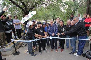 Schiaretti encabezó actos en Punilla e inauguró la «Street Plaza» en el Parque del Kempes