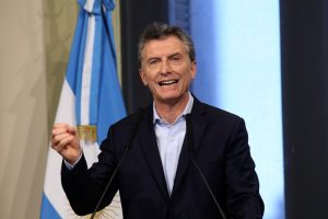 """Senado: Macri le pidió a los peronistas no dejarse conducir por las """"locuras"""" de Cristina Kirchner"""