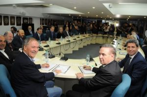 El poder central apuesta a gobernadores del PJ para frenar la avanzada opositora por las tarifas
