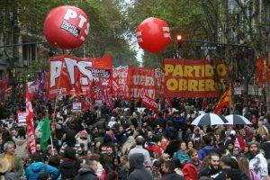 En el acto de Día del Trabajador, la Izquierda apuntó sus críticas contra el Gobierno y la oposición peronista