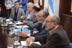 En la Unicameral, López defendió los dos proyectos del Gobierno que impacta en los trabajadores de EPEC