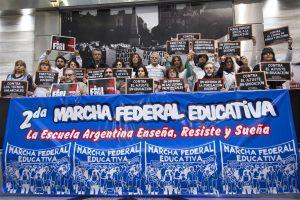 El Gobierno de Vidal  ratificó que descontarán los días de paro de los docentes