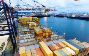 Balanza comercial con déficit de 938 millones de dólares