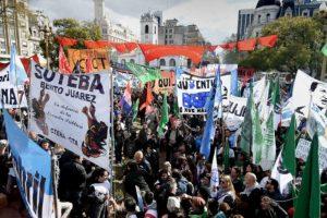 Un sector de la CGT y organizaciones sociales marcharán contra los tarifazos y el acuerdo con el FMI