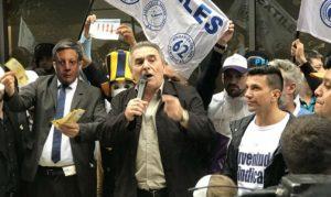"""Al protestar por los tarifazos y el FMI, Schmid llamó """"a preparar el terreno"""" para un paro general"""
