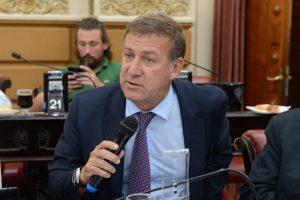Referente de Cambiemos le apuntó a Caserio por su voto a favor de la ley opositora de tarifas