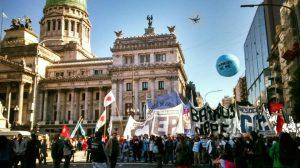 Organizaciones sociales y gremiales activan plan de marchas contra el Gobierno macrista