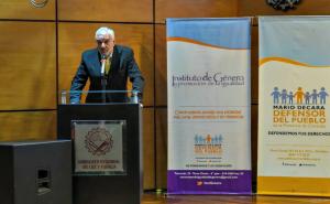 Decara expone en Seminario Internacional sobre Derechos Humanos