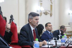 El delasotista Passerini cruzó a Mestre ante sus críticas al Gobierno provincial
